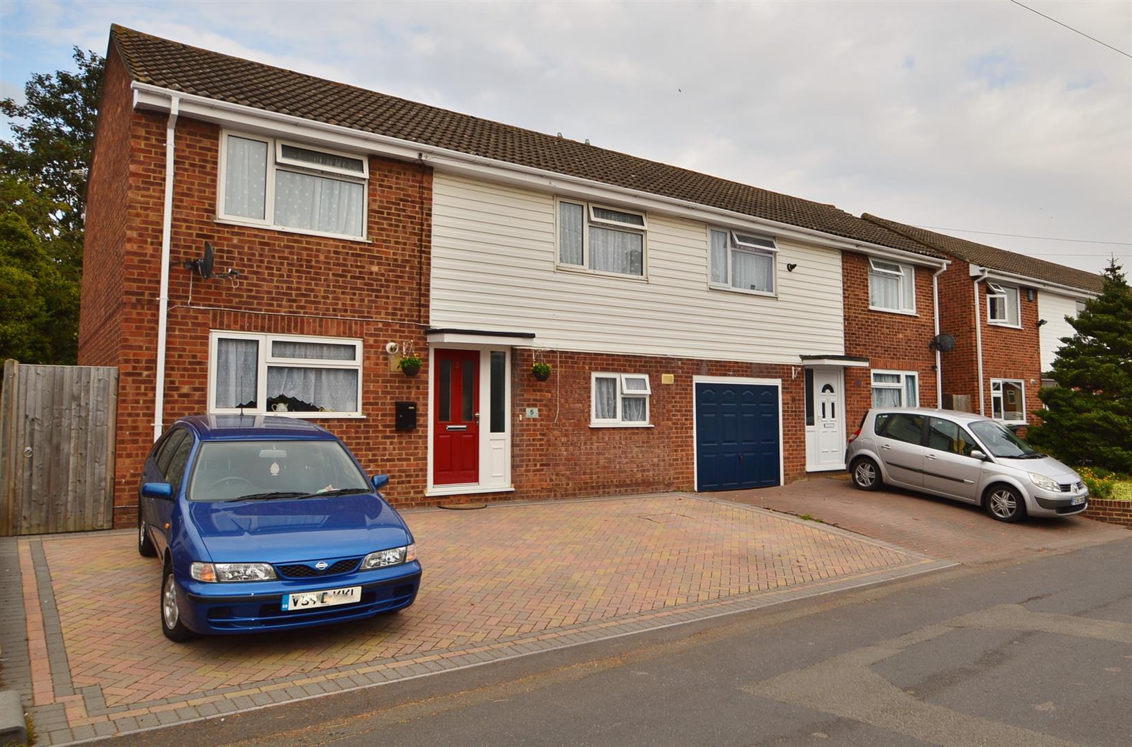 4 Bedrooms Semi Detached House for sale in Mackenders Lane, Eccles